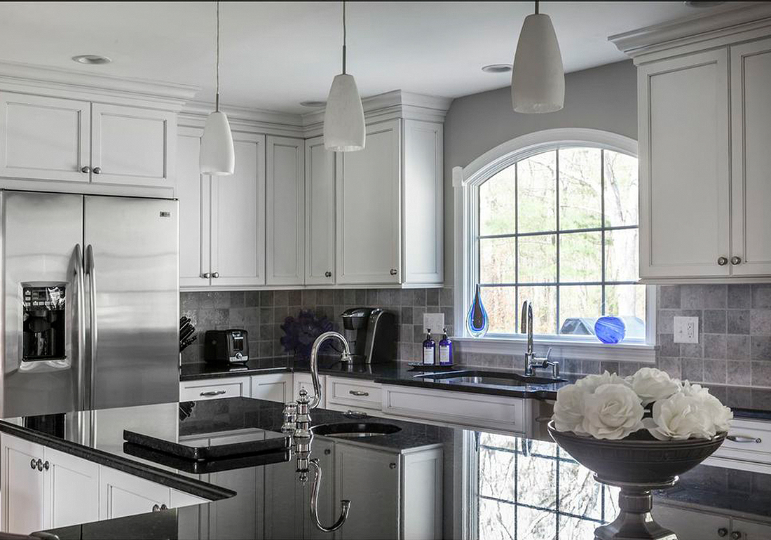 Naples Kitchen and Bath Holiday Kitchens
